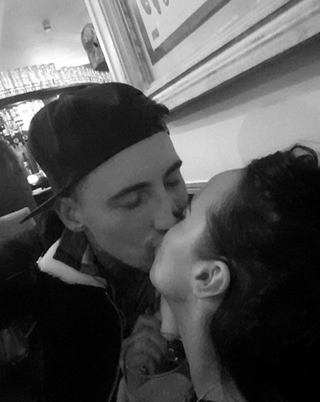 Jeremy McConnell and Stephanie Davis share a sweet kiss on their date night