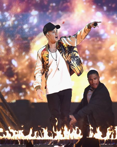 Justin Bieber puts on an incredible show at the BRIT Awards 2016
