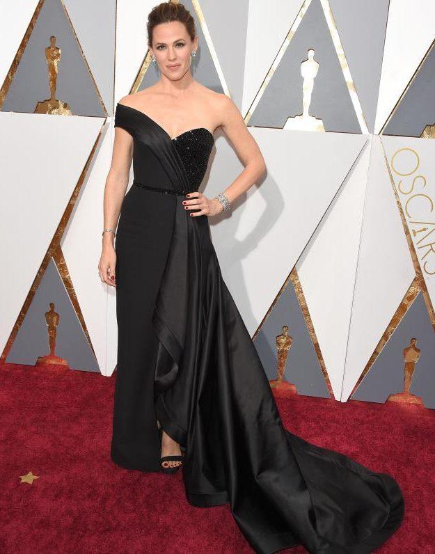 Jennifer Garner stunned on the Oscars red carpet