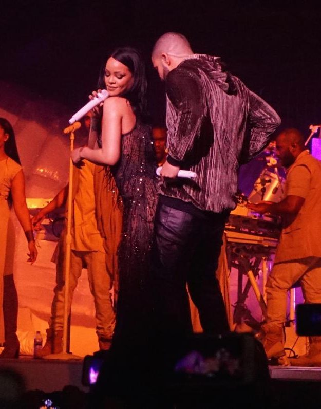 Drake and Rihanna turned up the heat as they performed in Miami